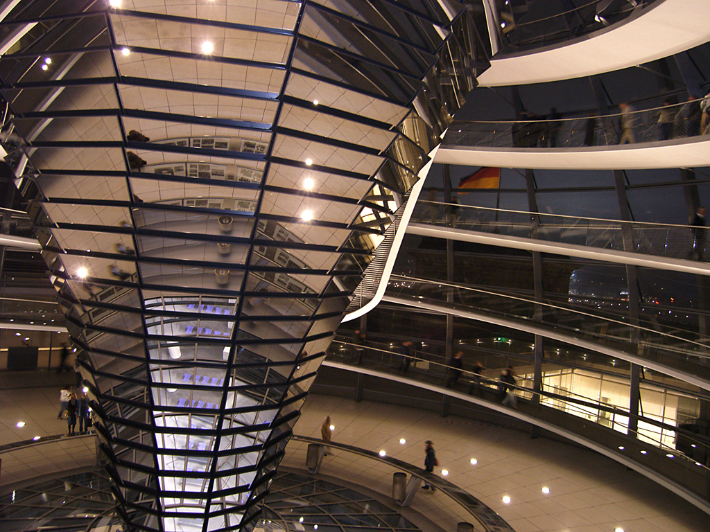 Reichstag_tower_new_01